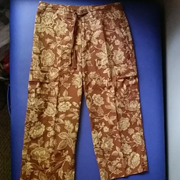Ralph Lauren Pants - Ralph Lauren size 2 capri brown & tan flower print